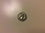 Denario de Septimio Severo. HERCVLI DEFENS. Hércules estante a dcha. Roma/Laodicea ad Mare?. 72_A63_E41-3_AB1-4_E6_A-95_D8-_F65_A3_BFB32_C9