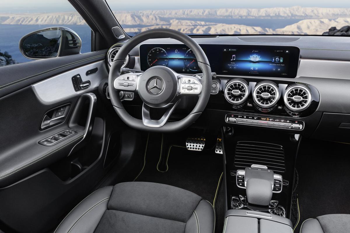 Classe A 2019 revelado 2019-_Mercedes-_Benz-_A-_Class-_Hatch-23