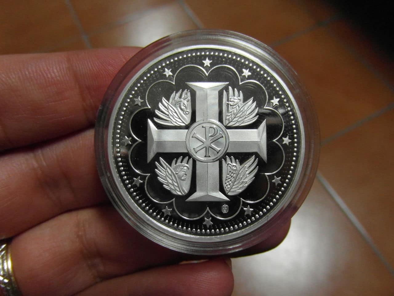 Otra medala del Vaticano. Ayuda SAM_0611