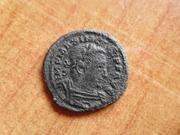 Nummus de Maximiano Hércules. GENIO POP ROM. Trier   P1400166