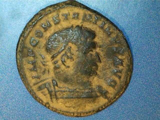 AE2 de Constantino I Magno. MARTI CONSERVATORI. Busto galeado de Marte a dcha. Ceca Trier. 2017_02_25_0001_0_X