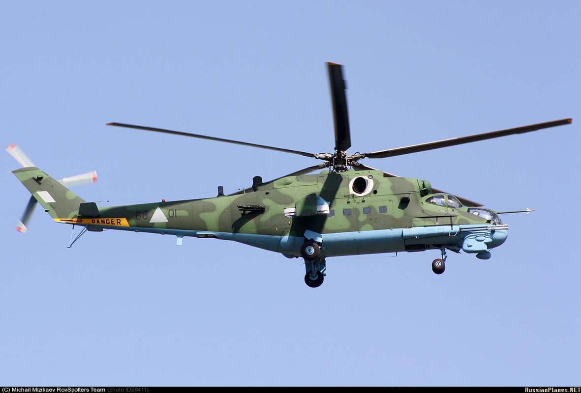 Forces armées birmanes/Myanmar Armed Forces/Tatmadaw Mi_24_P_Hind_F_68_01_2010