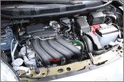 Troca do filtro de ar do Nissan March com motor 1.6 HR16DE com duto MEX/BR. Nissanmarchsr19
