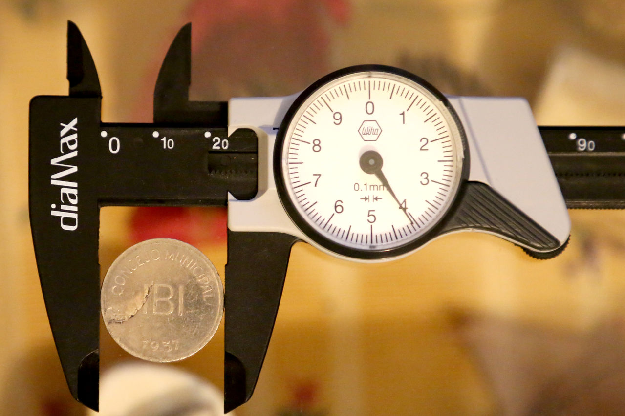 Pruebas de las monedas de 1 peseta de Ibi en níquel Di_metro_OF7_A0720