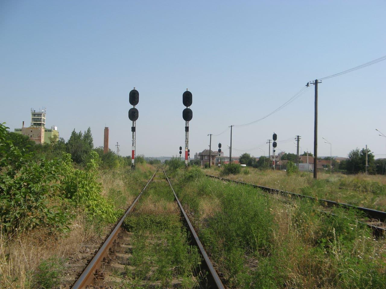 Calea ferată directă Oradea Vest - Episcopia Bihor IMG_0004