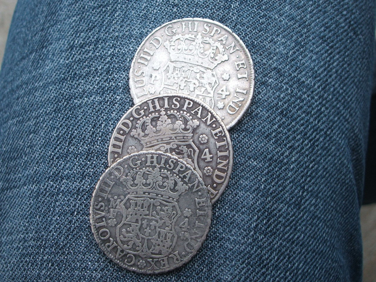 """3 reales  """"columnarios""""  Carlos III 031"""