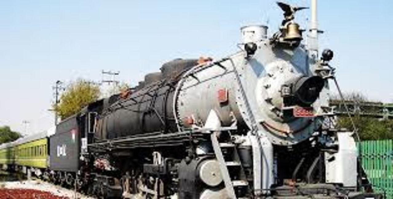 Tren oficial  EL OLIVO- medio histórico de servicio a los Presidentes en turno  MAQUINAOFICIALFFCC