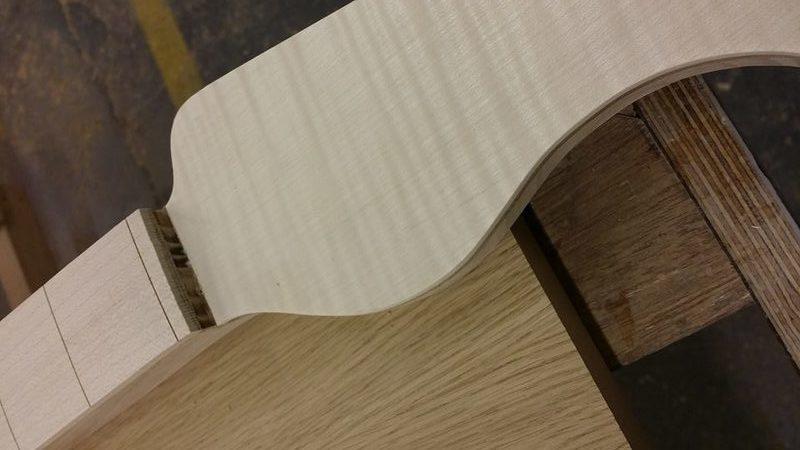 Construção caseira (amadora)- Bass Single cut 5 strings - Página 4 12278039_10153787885114874_86532252_n
