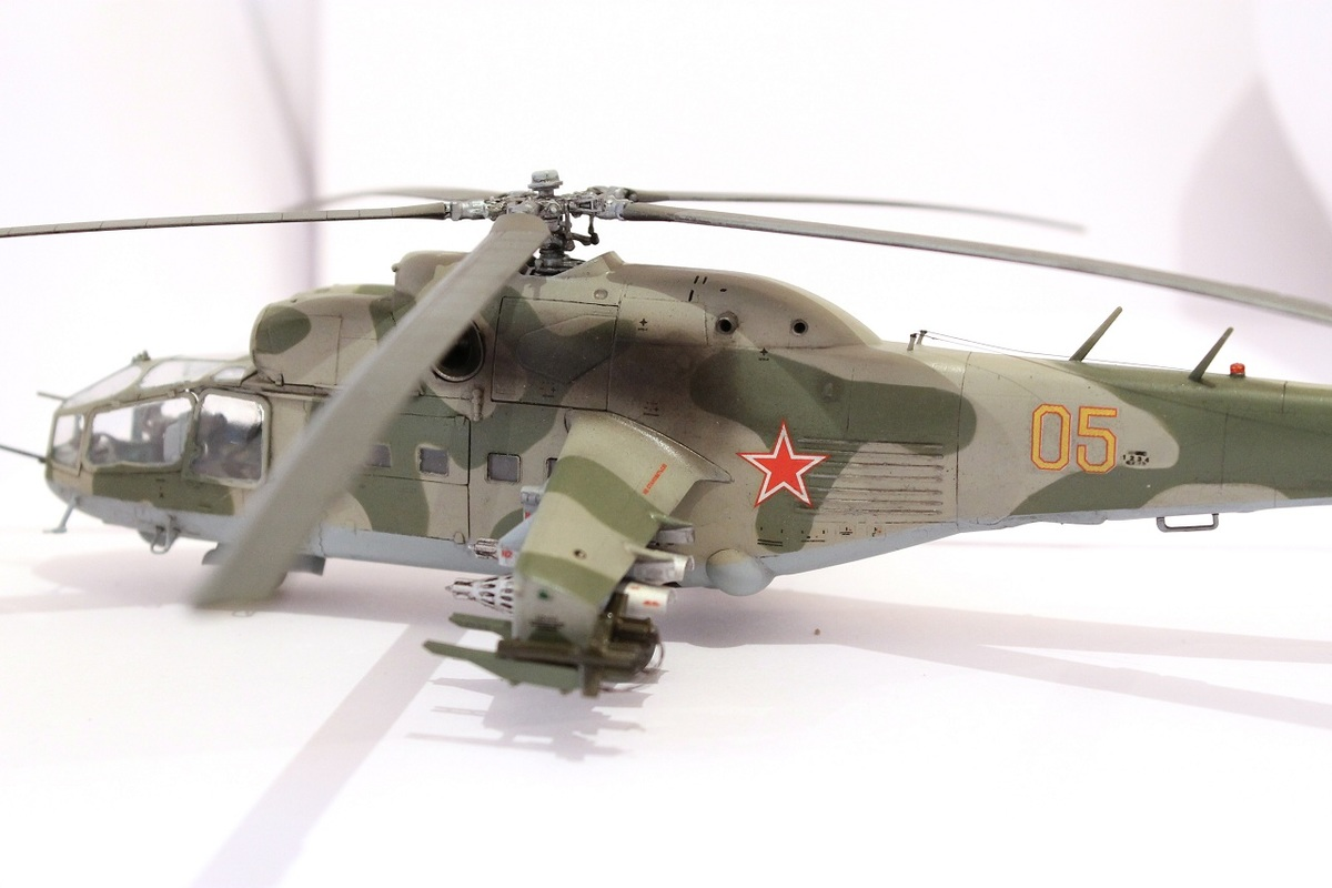 Ми-24А Звезда 1/72 - Страница 3 IMG_2213