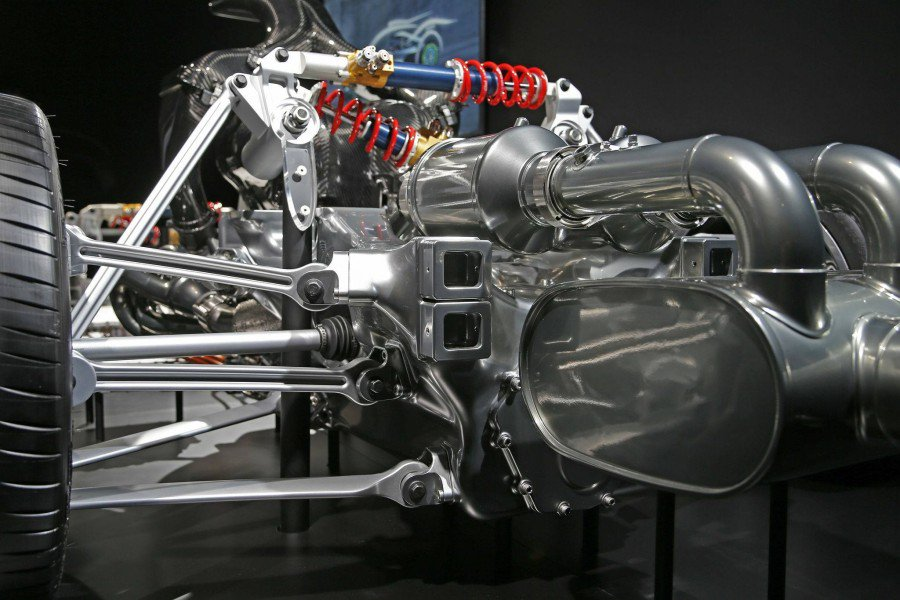 MERCEDES - PROJECT ONE - detalhes mecânicos Pj9