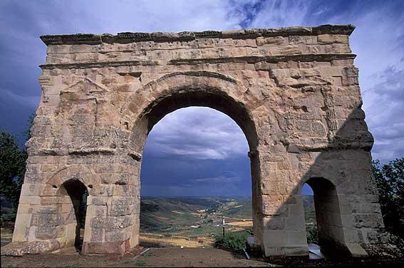 SALIDA (CLM): La Alcarria. 24 Septiembre 2016 Medinaceli_Arco