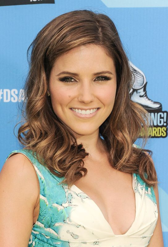 Slike Sophie-Brooke - Page 6 63065_Sophia_Bush_Do_Something_Awards_July2013108_122