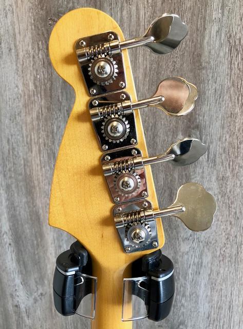 Fender Japan Standard ??? não acho serial  IMG_0186