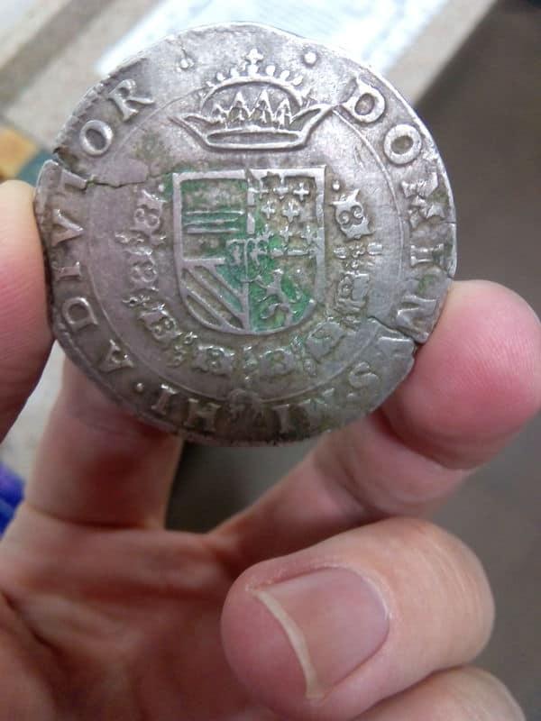 Escudo Borgoña Felipe II Brujas 1568 1_Escudo_de_borgo_a_Felipe_II_1568_Brujas_MBC_2