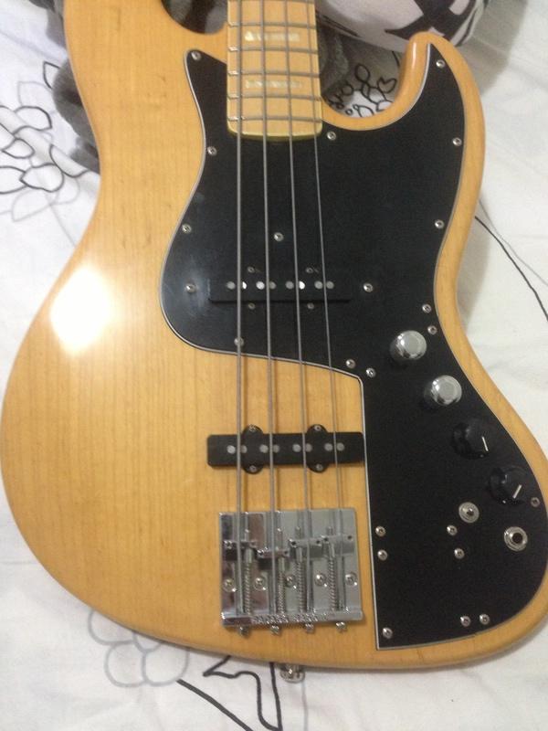 Dúvida com headstock Fender Marcus Miller IMG_1699