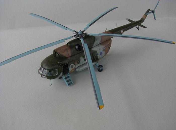 Mil Mi-8MTV-2 HRZ, Revell, 1/72 DSC04406