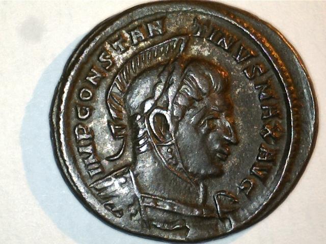 AE3 de Consantino I. VICTORIAE LAETAE PRINC PERP. Ceca Tréveri. Image