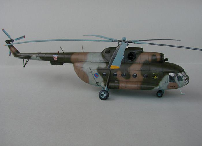 Mil Mi-8MTV-2 HRZ, Revell, 1/72 DSC04408