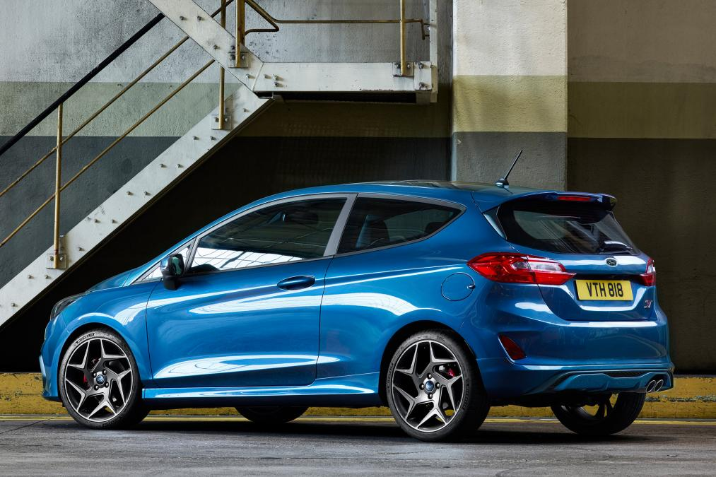 Ford  Ford_2017_fiesta_st_03
