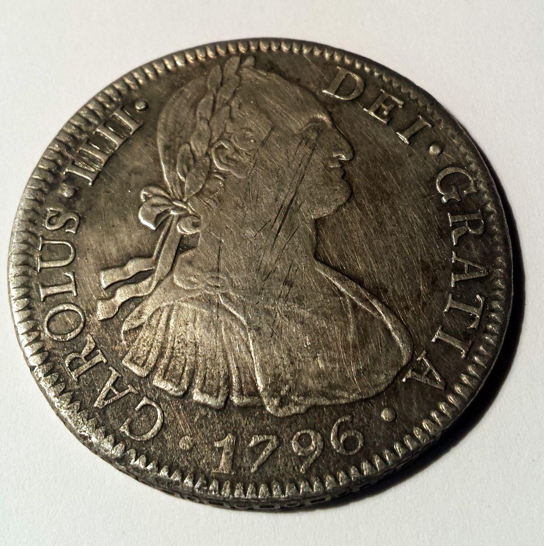 8 reales para catalogar Carolus_III
