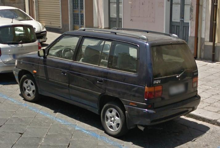 Auto  storiche da Google Maps - Pagina 5 Mazda_mpv_2