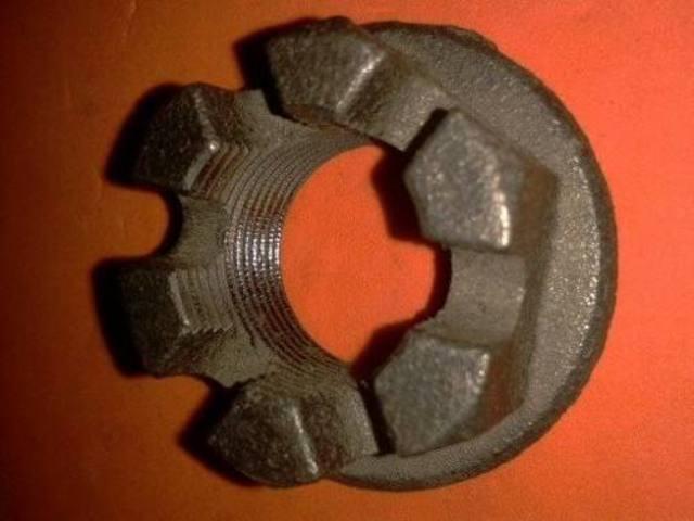 Tuercas almenaras puntas de eje trasero Image