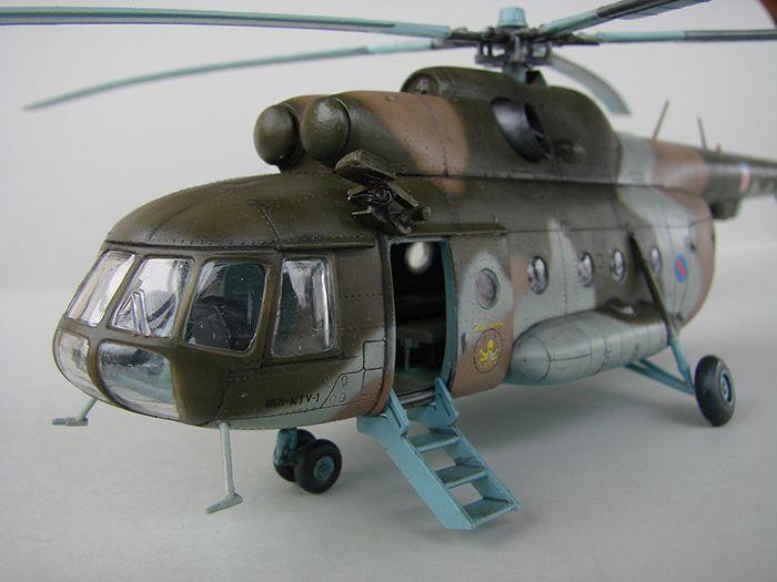 Mil Mi-8MTV-2 HRZ, Revell, 1/72 DSC04410