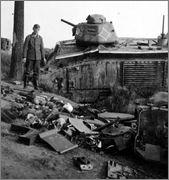 Камуфляж французских танков B1  и B1 bis Char_B_1_bis_51_1_Indochine