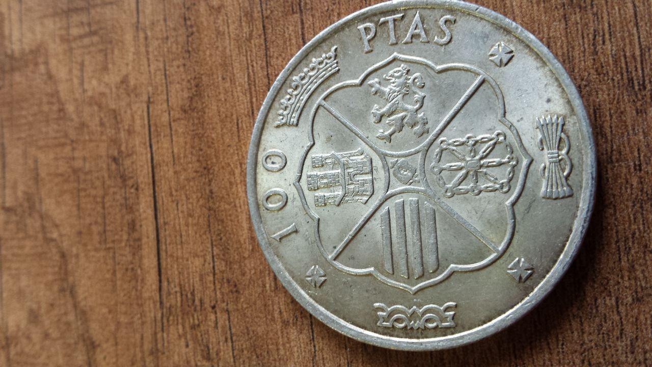 100 ptas Estado español 20140402_161505