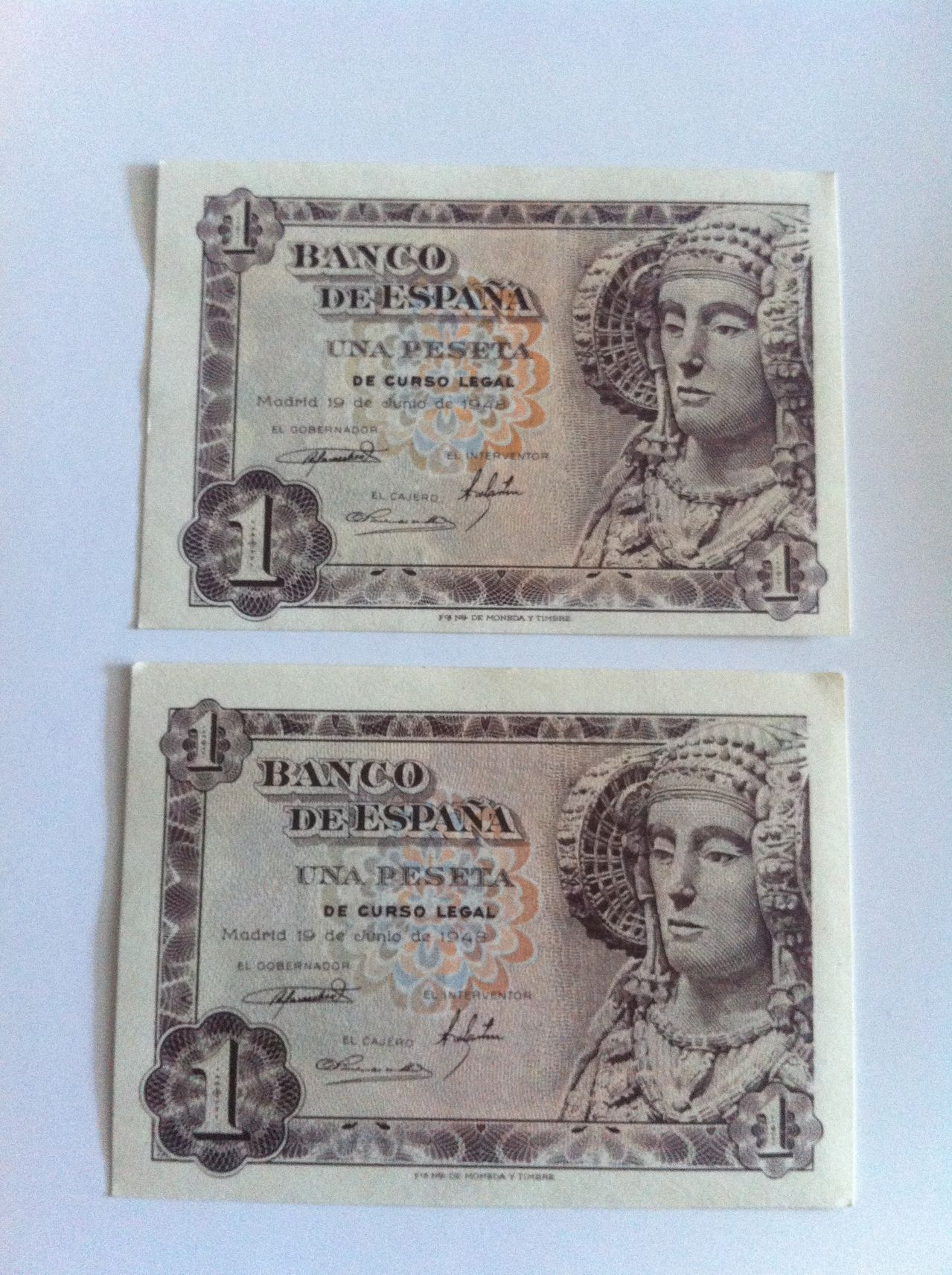 Ayuda para valorar coleccion de billetes IMG_4934