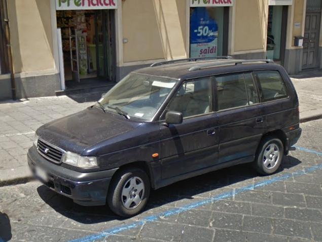 Auto  storiche da Google Maps - Pagina 5 Mazda_mpv_1