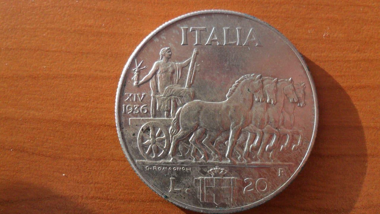 AYUDA !!! 20 lira 1936 Italia Picture_003