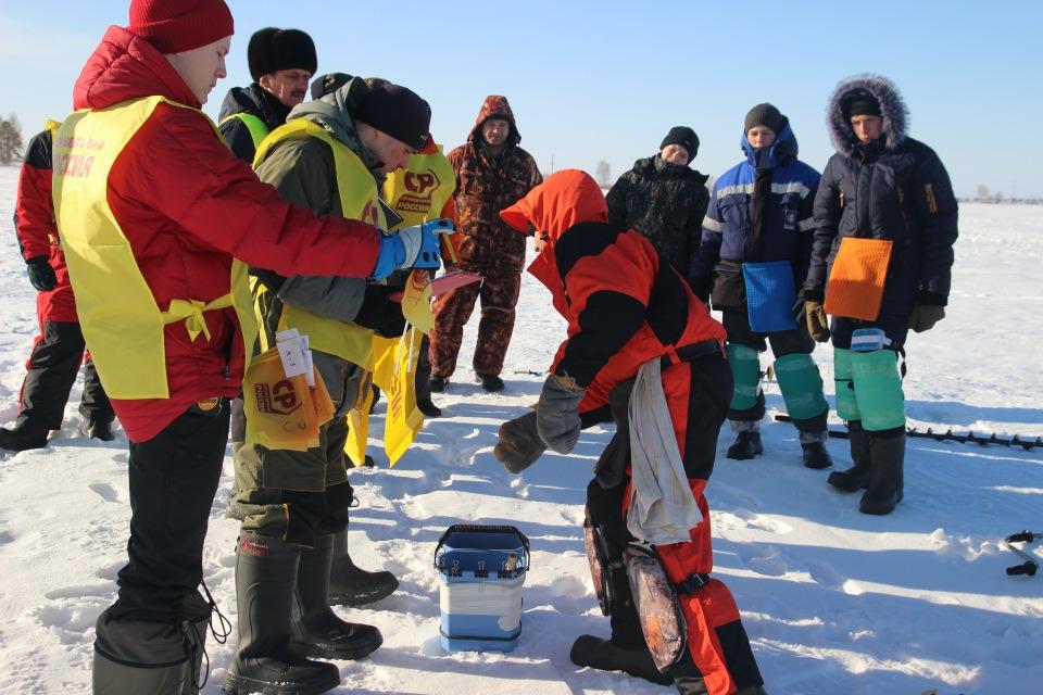 Первенство города Кургана по ловле на мормышку со льда среди юношей и девушек с 14 до 17 лет. 2749c5302961