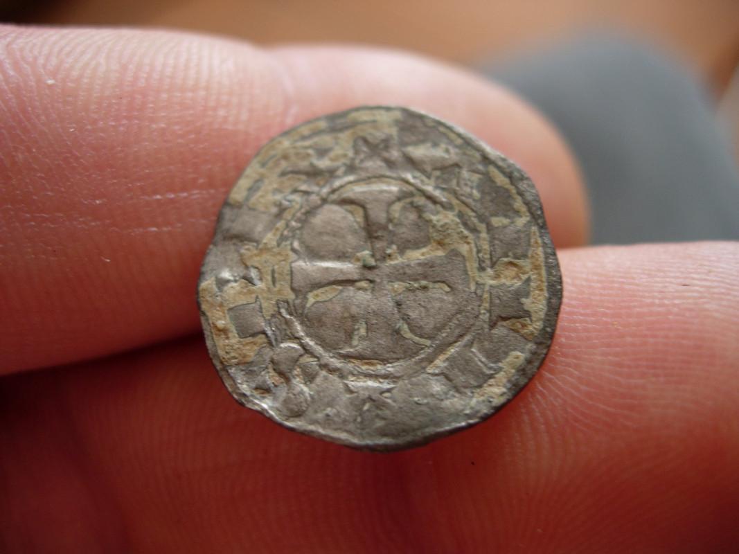 Dinero de Alfonso VIII (Castilla, 1180-1190). Vellones_002