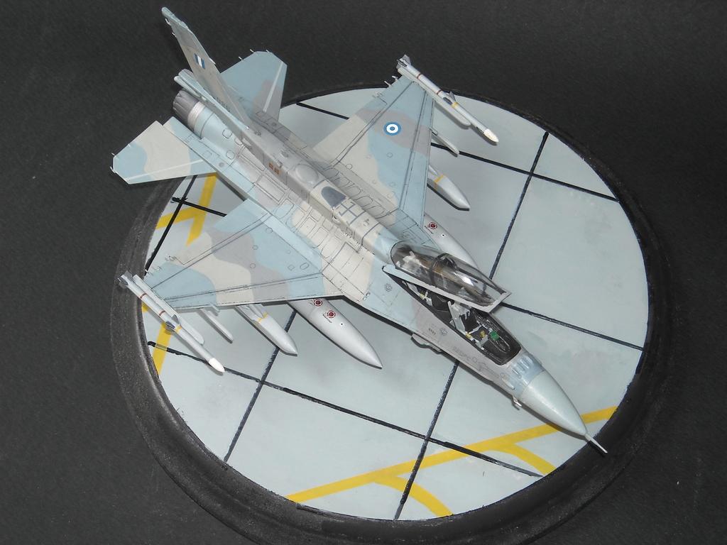 Haf F-16 x2 στην 1/72 DSCN7353