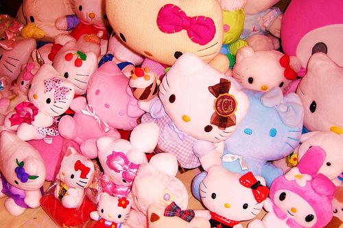 Hello Kitty various sizes :) Tumblr_m2fhnec_IPS1rsbuv1o1_500