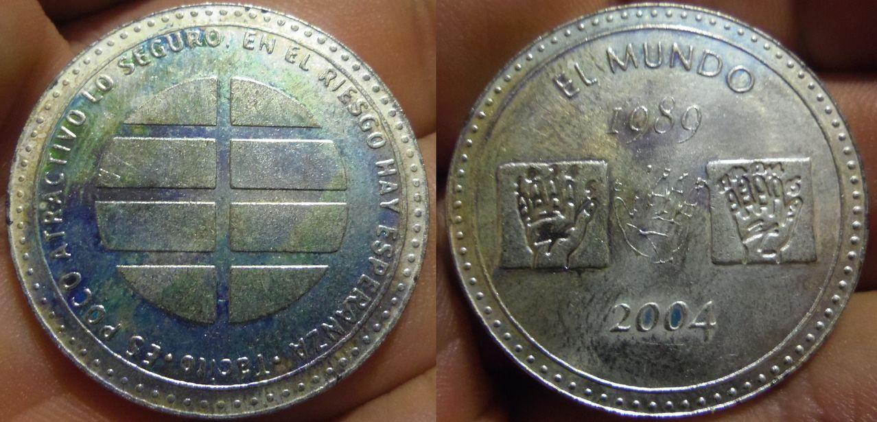 Medalla del 15 aniversario de la fundación de el periódico El Mundo. 2004. IMGP6652