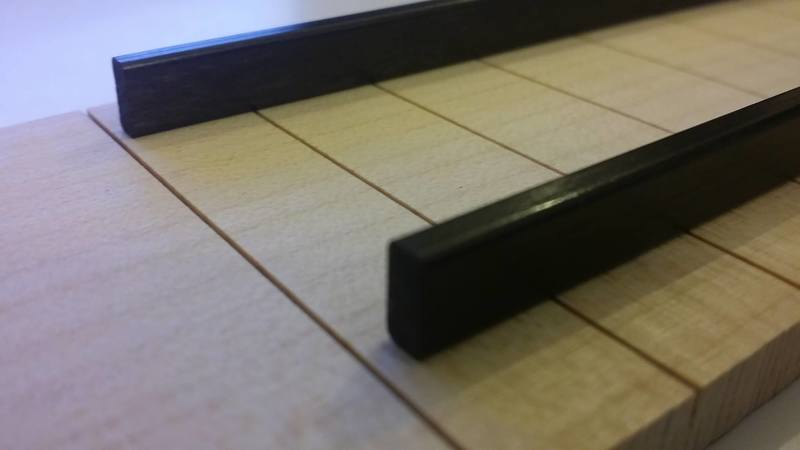Construção caseira (amadora)- Bass Single cut 5 strings - Página 2 11793935_10153558159804874_1018701299_o_1