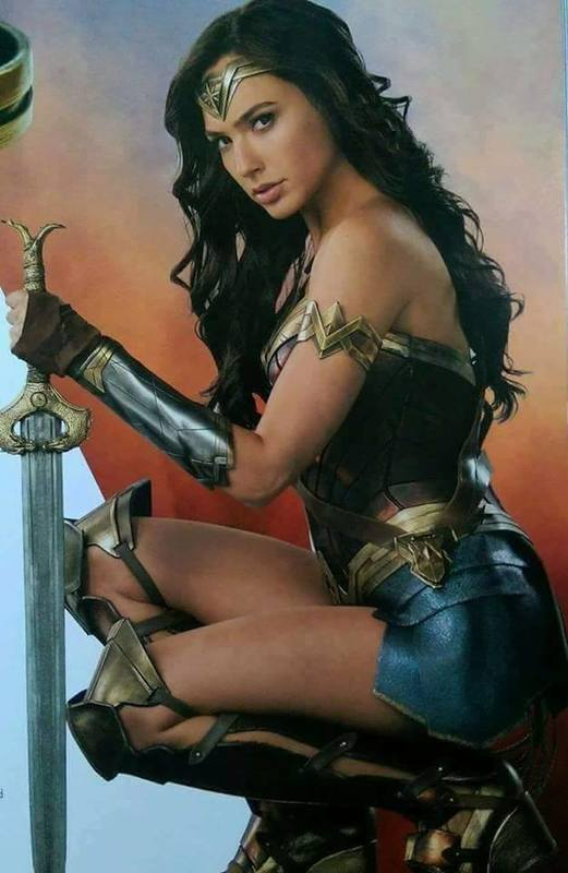 Wonder woman de Patty Jenkins (2017) Avec Gal Gadot - Page 26 18814404_1341185172597531_5126408251174779586_n