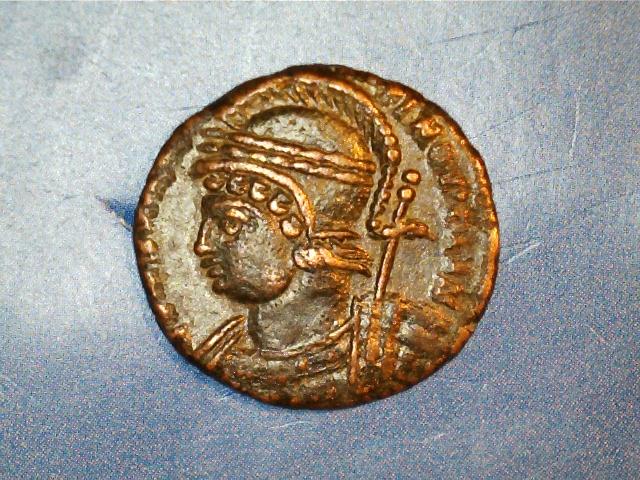 AE3 conmemorativa de Constantinopolis. Victoria sobre proa a izq. Ceca Trier. 2017_03_23_0001_0_X