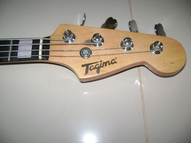 "Modificação Tagima Bass - ""Vintage Hot Rod style"" DSC07928"