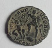 AE3 de Constancio II. FEL TEMP - REPARATIO. Soldado romano alanceando a jinete caído. Arlés. 14a