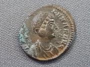 AE3 de Helena. PAX PV-BLICA (punto). Pax estante a izq. Constantinopolis. 20180804_101942