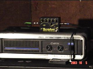 Curiosidade quanto a um set com amplificador não de contrabaixo Sansamppre