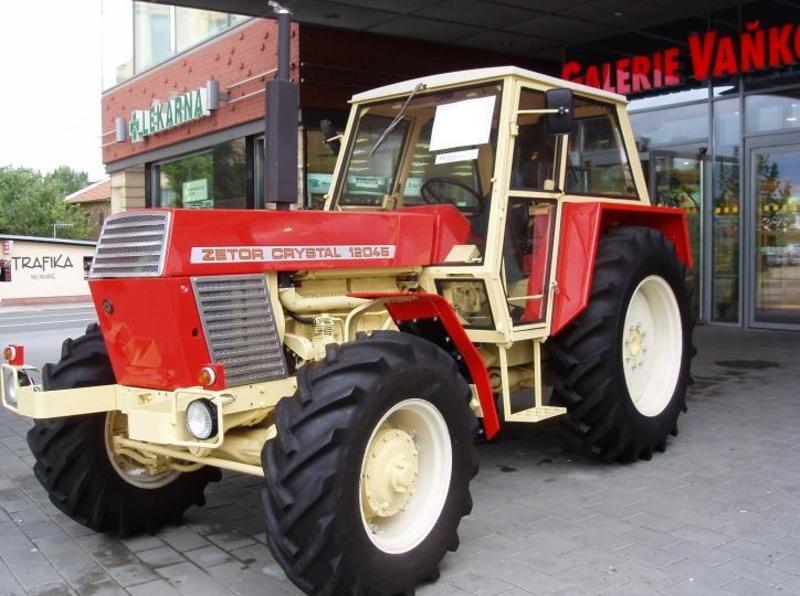 Hilo de tractores antiguos. - Página 37 ZETOR_12045_CRYSTAL