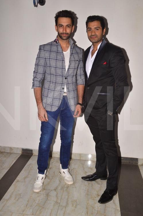 მსახიობები და მათი მეგობრები - Page 2 Nandish_Sandhu_Mrunal_Jain