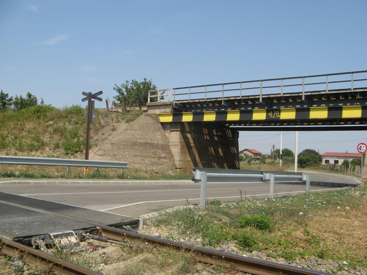 Calea ferată directă Oradea Vest - Episcopia Bihor IMG_0060