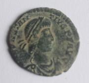 AE3 de Constancio II. FEL TEMP - REPARATIO. Soldado romano alanceando a jinete caído. Arlés. Image
