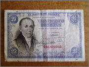 25 pesetas 1946 Florez Estrada P1170040