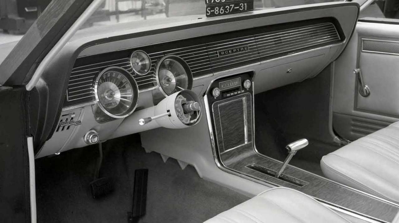 pour se rincer l'oeil - Page 4 015-cougar-development-dashboard-mockup-sceptre-driver-side